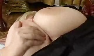 Mature Plumper screws a lean dick