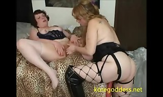 Kore Queen strapon pummels her neighbour