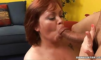 Wild hoe Jezzebel Joli deep throats a boner and opens up her h...
