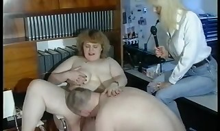 Mature Plumper likes manhood throating