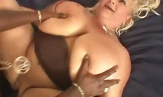 Plumper Sugar enjoys big black cock